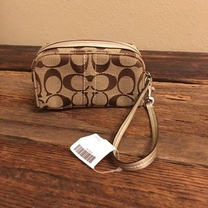 Coach wristlet makeup cosmetic case purse NWT